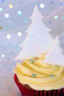 Christmas cupcake 0348 R by nicisme, via Flickr