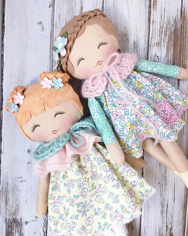 Just the sweetest lil Spring friends  #littledollycollection #lollypoppets #spuncandydolls #handmadedolls #handmadetoys #fabricdolls