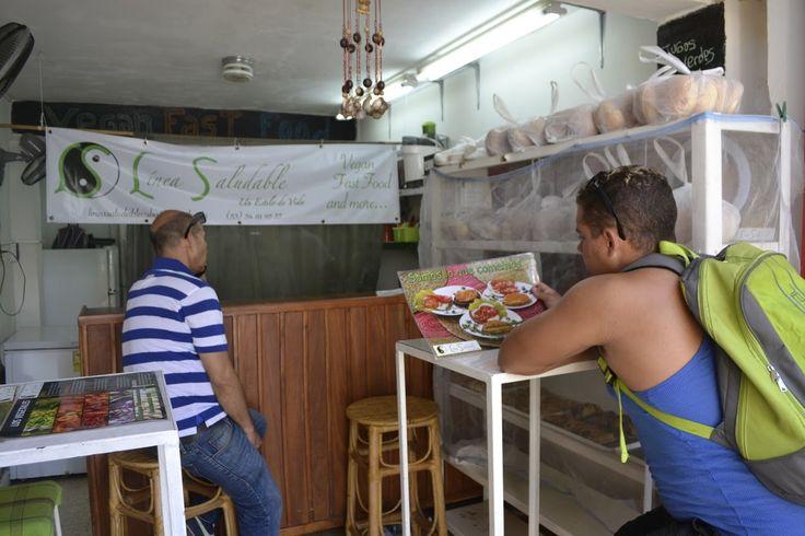 #Cuba: Comida para #vegetarianos en el país que añora la carne  En un país obsesionado con la carne después de tantos años de racionamiento y prohibiciones, Línea Saludable, un establecimiento de #comidavegana en #LaHabana, parece un negocio arriesgado. Sin embargo, según la argentina Carla Valenzuela y la cubana Idoris Martínez, sus fundadoras, está logrando abrirse camino entre #turistas y nacionales con su propuesta de #alimentación alter…