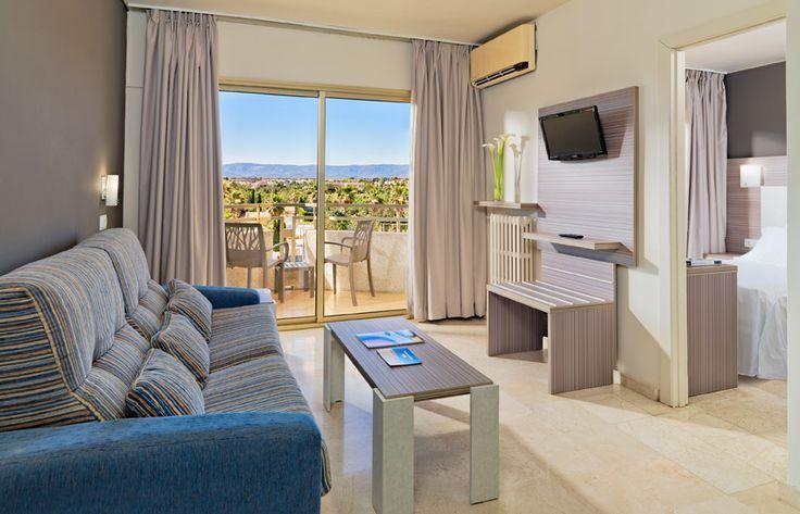 Salón de la Suite / Suite's Living Room  #h10cambrilsplaya #cambrilsplaya #h10hotels #h10 #cambrils