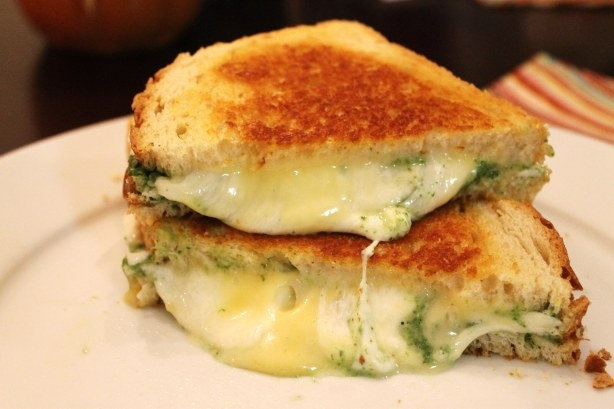 Spinach 'Pesto' Grilled Cheese (adding regular pesto to a grilled ...