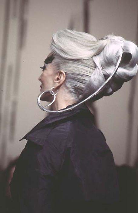 スーパーモデルのカルメン・デロリフィチェ 84歳でも続く美貌! : 面白画像のファニピクで暇つぶし