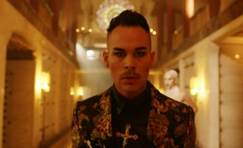 Luke Steele from Empire of the Sun in the video for Neon Future - Steve Aoki (x)