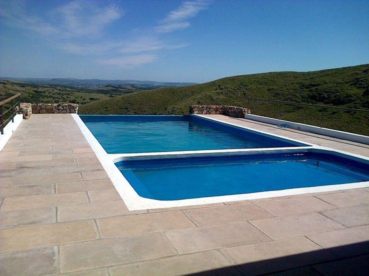 Hotel cerro mistico el hotel cuenta condos piscinas una for Pool design eltham