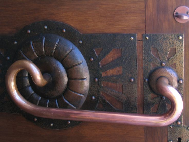 Door handle, Tampere Cathedral, southern Finland | Jugend (Art Nouveau) architect Lars Sonck, 1907)