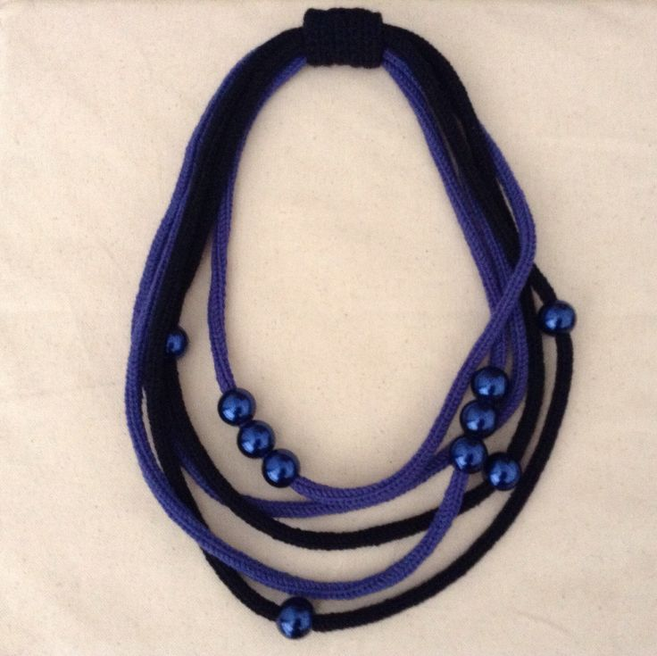 Collana tricot in lana blu con perle : Collane di dabashop