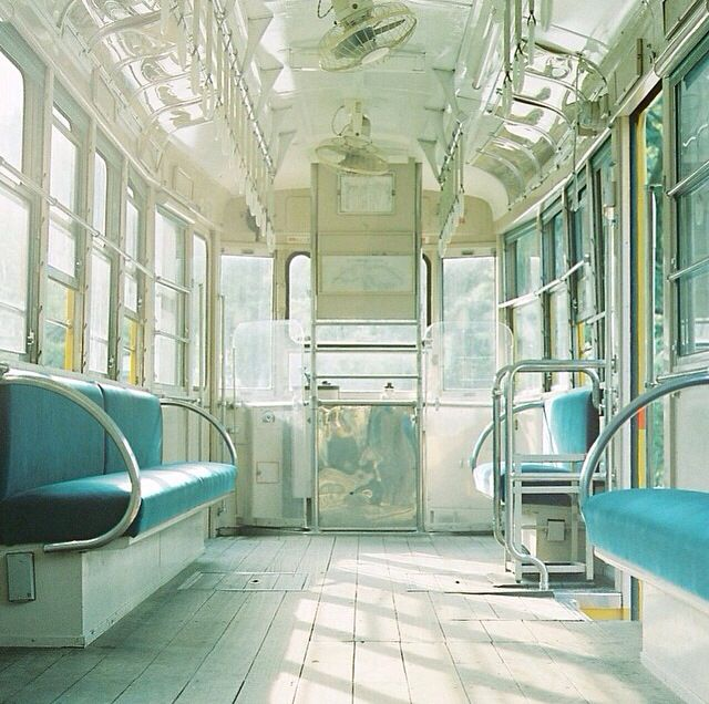 夏の空の列車