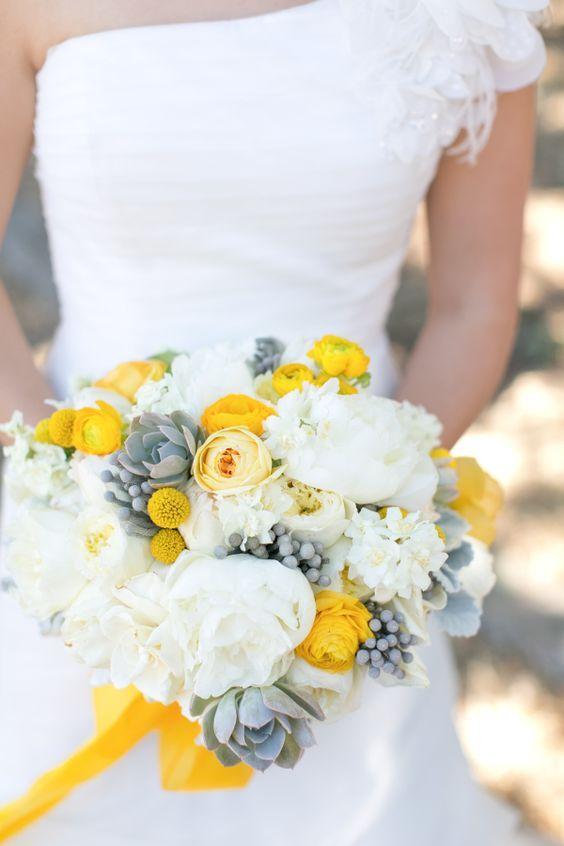 Inspiration mariage jaune et gris : le bouquet de fleurs
