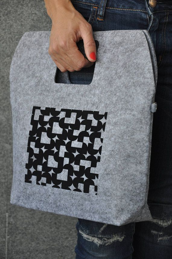 Laptop carrying case, Felt macbook sleeve, ipad case, Black laptop cover, 13 inch laptop case, Laptop decals, Tablet sleeve, Felt laptop #fashion #fashionblogger #bags #boho #bohostyle #tote #totebag #style #styleblogger #fashionista #sleeve