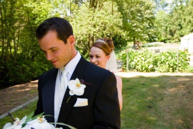 Etiquette for Wedding Buttonholes