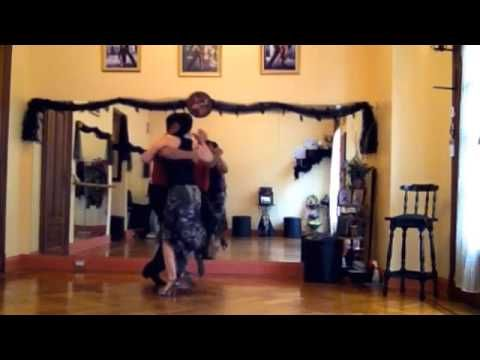 Dancing Rhythmic Tango on a tile (baldosa) Tango Ritmico  en una Baldosa