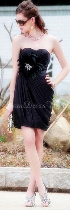 Short Length Black Sleeveless Pleated Column Applique Cocktail Dress