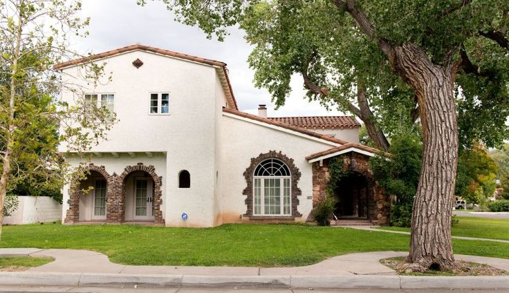 """The house where fictional Jesse Pinkman lived in the series has an asking price of $1.6 million —""""meth lab not included"""" — according to the Coldwell Banker's press release. The realtors for the house, a mother-daughter team, created a website touting its celebrity status. The house, which was posted for sale Tuesday, has two stories, with 3,500 square feet, and four bedrooms. According to TODAY, the house for sale wasn't used to film the parties or any """"intense"""" scenes."""