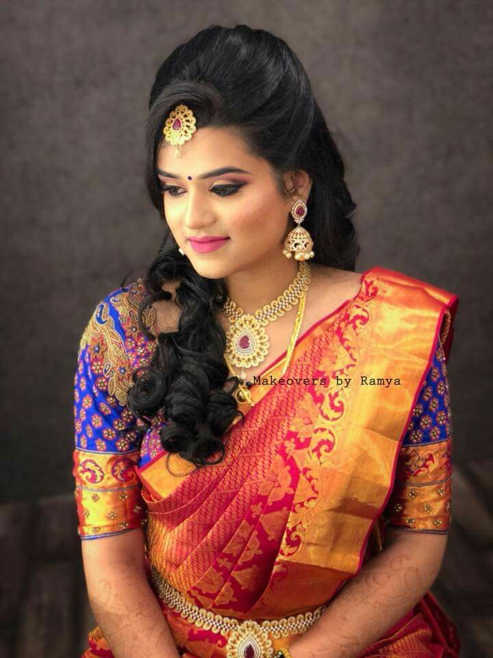 Pin By Rekhamadan On Brides Hair Style On Saree Womens Hairstyles Indian Bridal Hairstyles
