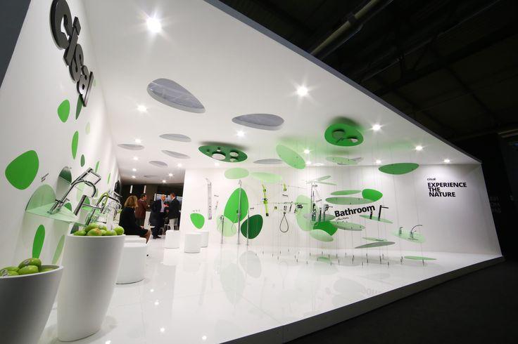 SALONE DEL MOBILE, CISAL 2014 - Základem instalace byly stylizované rostlinné motivy v galerijně bílém prostředí. Design: Boris Klimek