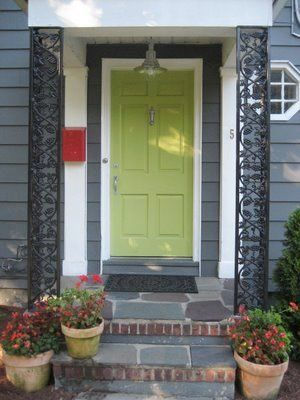 More houses really should have beautiful green doors like this.: Diy Ideas, Red Doors, The Doors, Green Doors, Front Doors Colors, Green Front Doors, Frontdoor, Porches Makeovers, Exterior Colors Schemes