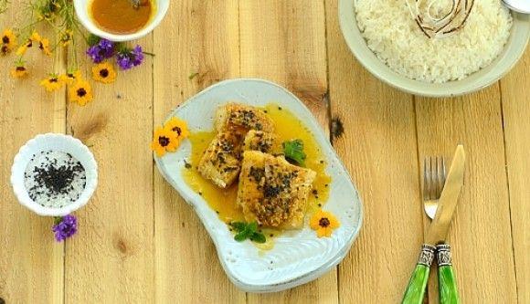 Tilapia with Passion Fruit Sauce and Toasted Sesame Seeds served with Coconut Rice (Surubim ao Molho de Maracujá e Gergelim com Arroz de Coco)
