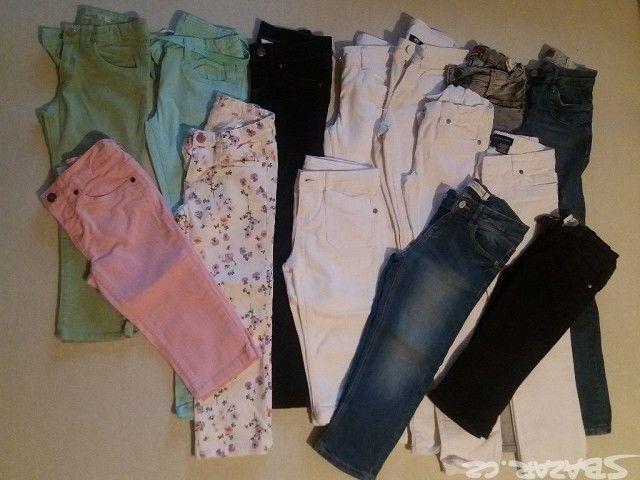 Prodám dívčí kalhoty a džíny od vel.122 do vel.146, různé barvy a délky - dlouhé, 7/8, 3/4, kraťasy. Velice pěkné, nezničené, neseprané. Jednotlivě i po více kusech, záleží na domluvě. Na požádání zašlu další fotografie i podrobnější popis. Cena od 80 do 180 Kč.