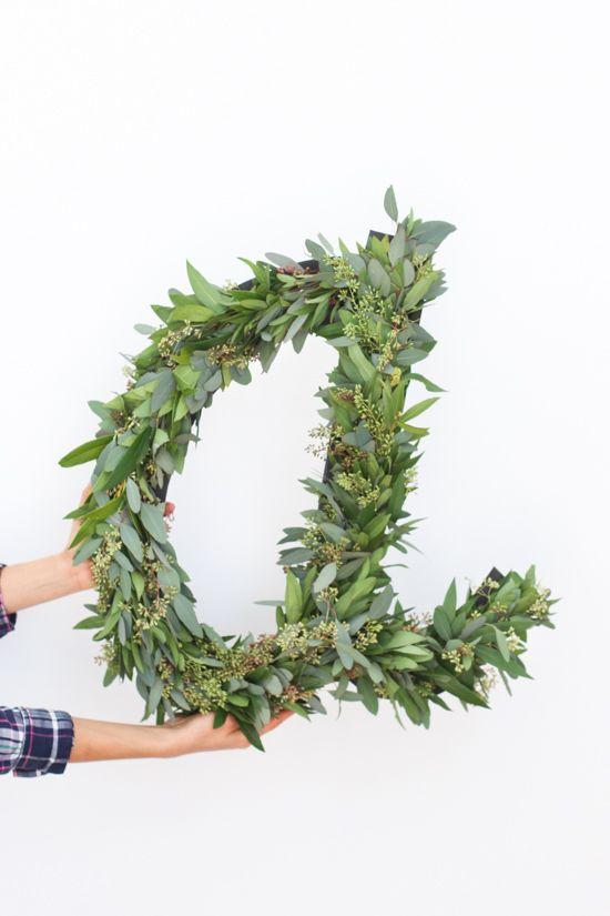 DIY: Giant garland letter