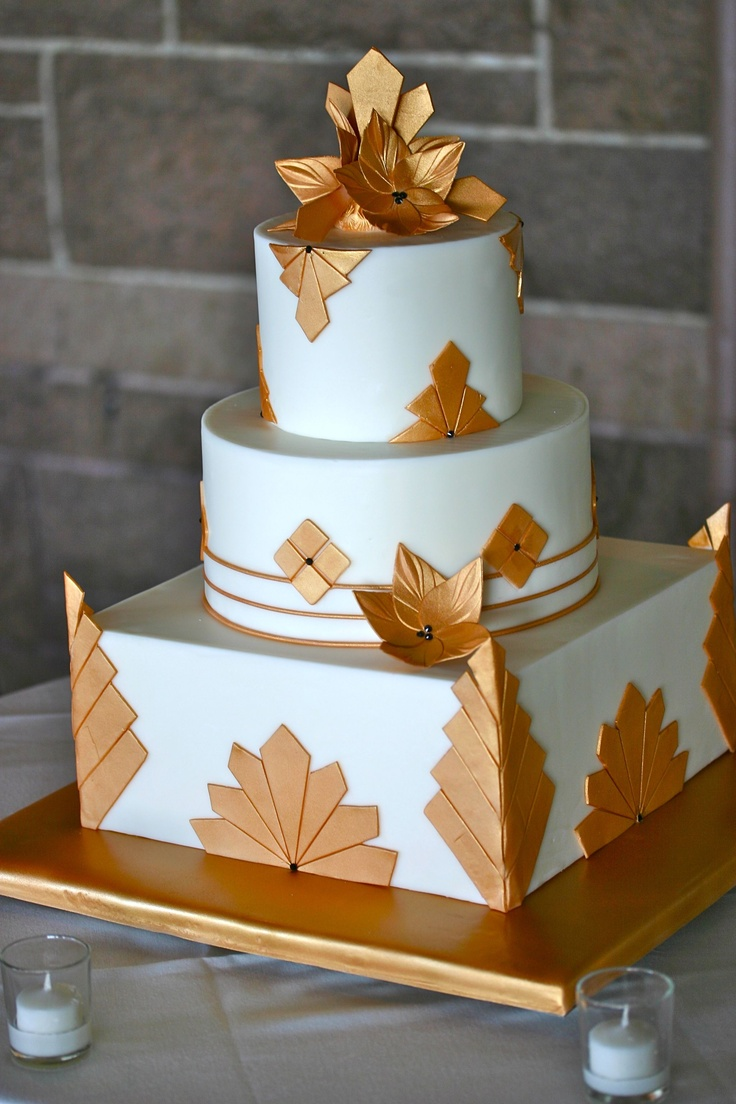 I'm just going left field with this one, I just thought that art deco cake was gorgeous!
