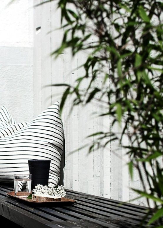 Black And White Outdoor Space Ideas 4