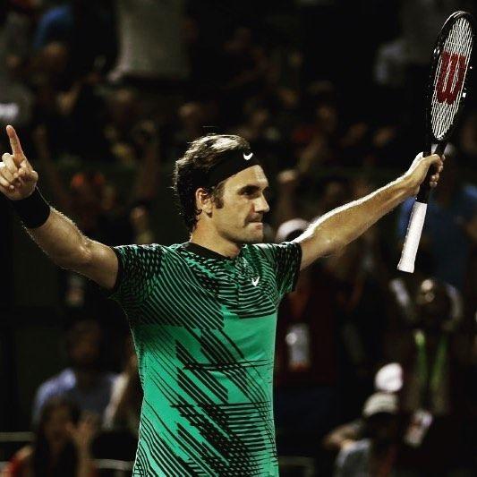 """A principio de año (a mis amigos que saben de tenis) pronostiqué una muy buena vuelta al circuito de #Federer y #Nadal que no venían a pasear si no a buscar lo más alto. Y así lo están haciendo. Hoy otra final de Master1000 juntos... casi res! Federer es la tercera vez que consigue ganar el #SunshineDouble (ganar Indian Wells y Miami el mismo año) hacía """"11 años"""" que no lo conseguía además como casi siempre es el que más veces lo ha conseguido (empatado con #Djokovic). Ya van 26 #Master1000…"""