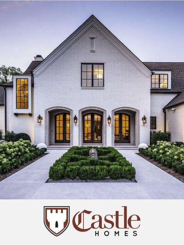 This Is A Gorgeous House A Fresh Take On Traditional Design In 2020 Gorgeous Houses Traditional Design Farmhouse Design