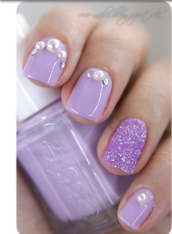 Pretty purple nails...maybe without the gems though