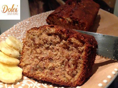 Il Banana Bread Senza Burro è un leggero e dolce plumcake senza burro dove la banana è la protagonista accompagnata dalle noci! Una delizia da scoprire!