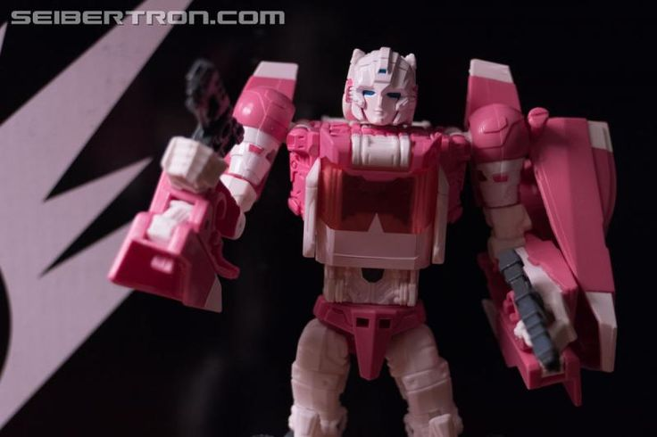 #HASCON 2017 Early Access Exclusive Transformers Titans Return Arcee with Daniel and Ultra Magnus