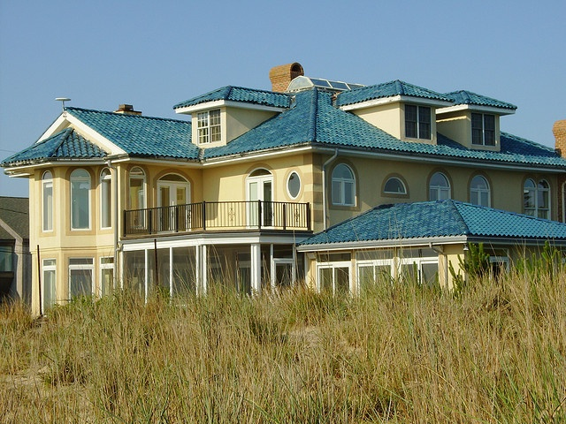 Best 7 Best Yellow House Blue Roof Images On Pinterest Blue 400 x 300