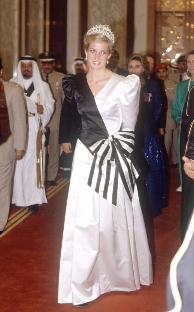 British royals on a royal tour of the Gulf States, in Saudi Arabia - Nov 1986-Princess Diana Of Wales