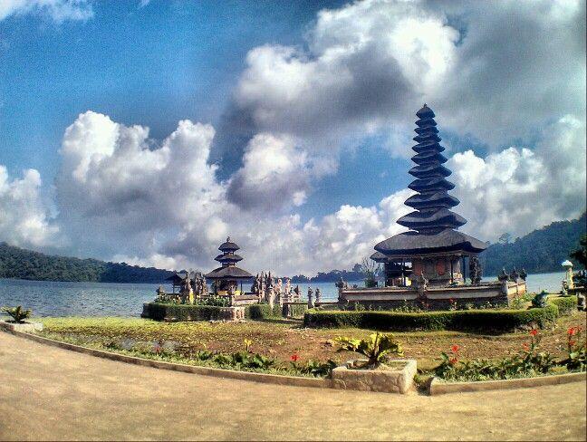 Beratan Lake, Bali