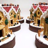 gingerbread-village-centerpieces-ypo
