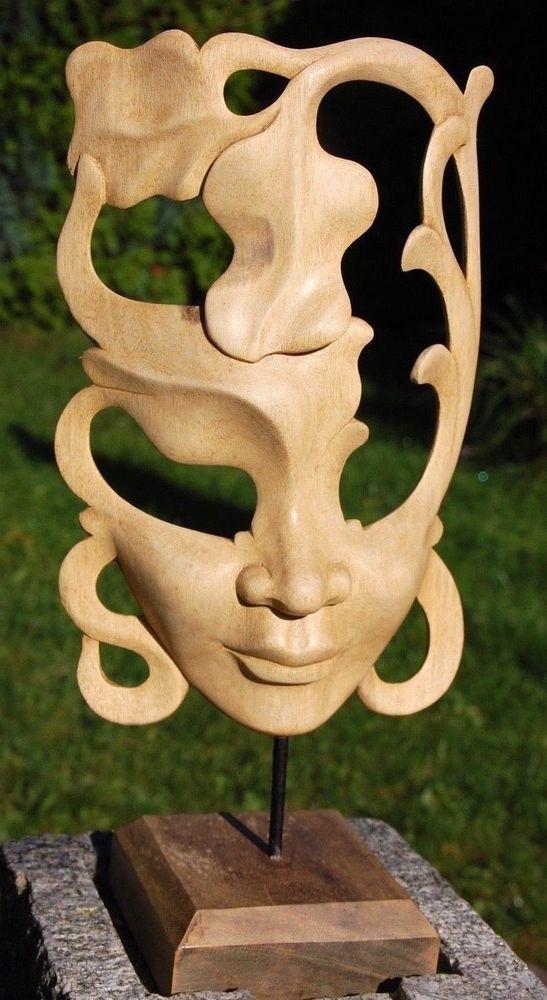 Masken aus Holz, Holzschnitzerei, Asiatische Kunst, Maskenständer