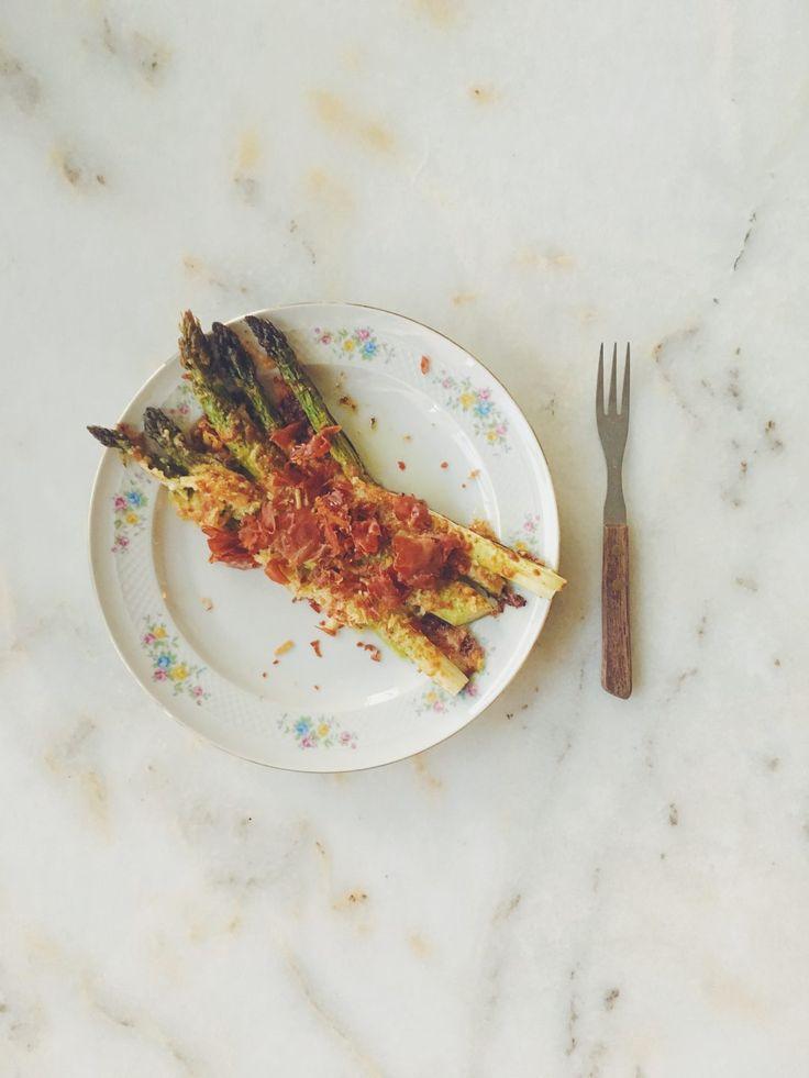 Asperges met parmezaankorstje en knapperige pancetta - Hapjes Princess