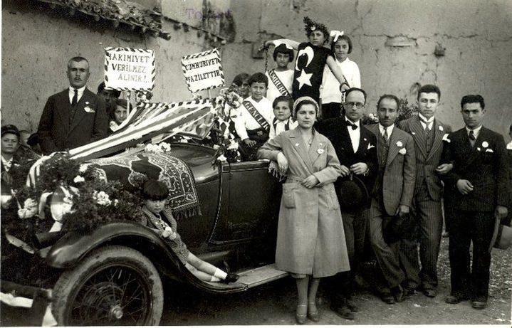Republic Festival 1930s - Cumhuriyet Bayramı 1930lar #Turkey #Türkiye #oldphotos #eskifotoğraflar #tarih #history #istanlook