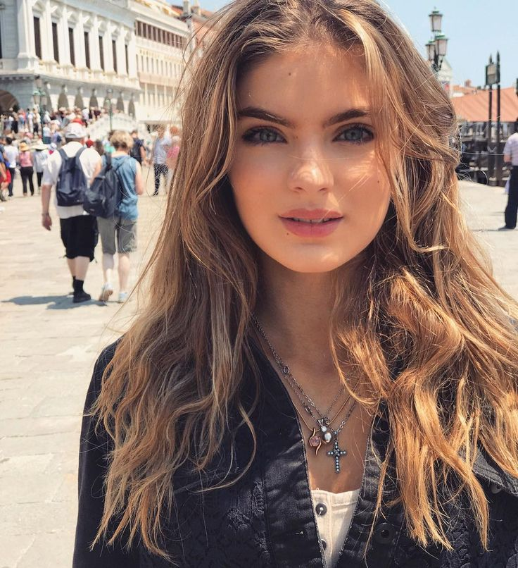 "8,162 curtidas, 174 comentários - Brighton Rose Sharbino (@brightonsharbino) no Instagram: ""Exploring Venice, Italy ❤️ Comment a  if you have been to Venice or want to go! """