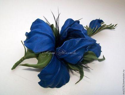 """Броши ручной работы. Ярмарка Мастеров - ручная работа Украшения.Ирис"""" ALL ABOUT BLUE"""" Кожаные .. Handmade."""