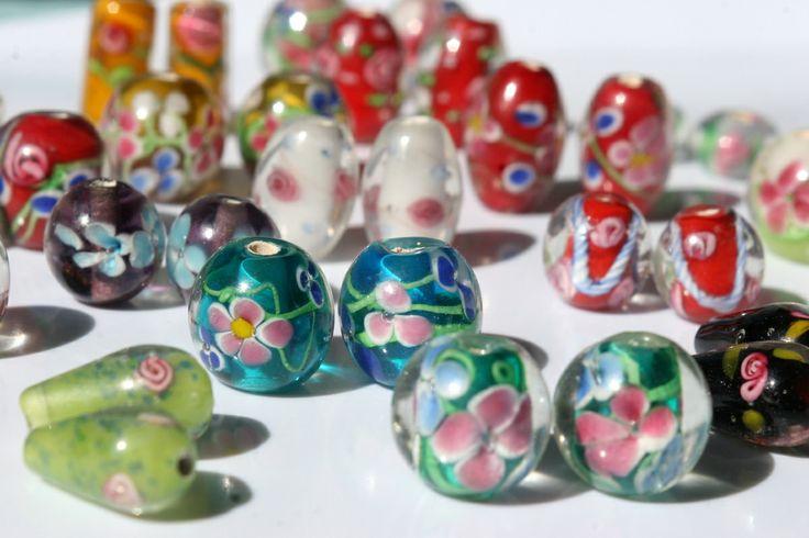 lamppuhelmiä- lamp beads