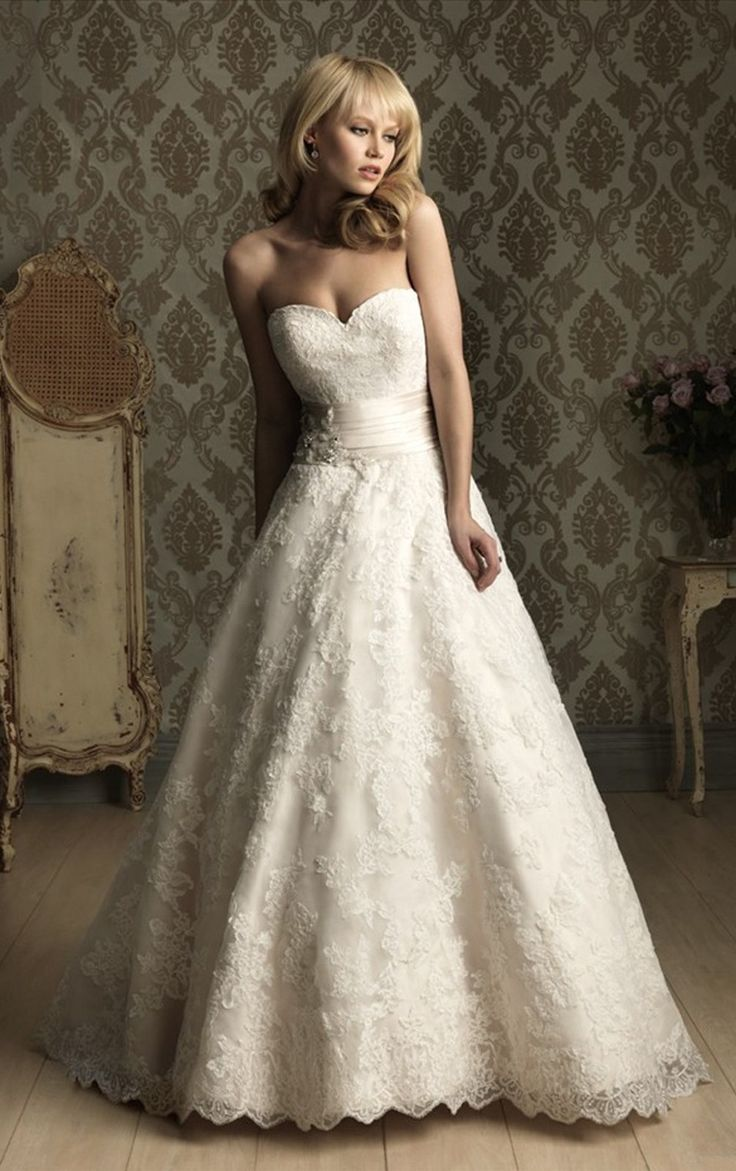 92.99 pounds Simple Strapless Court Train Lace Princess Sleeveless Princess Wedding Dresses