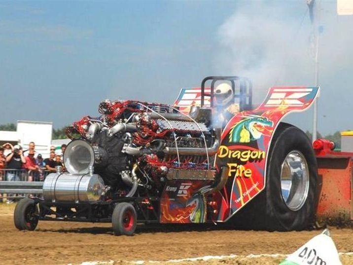 Traktor Pulling: гонки на тракторах в 4000 л. с. (видео)