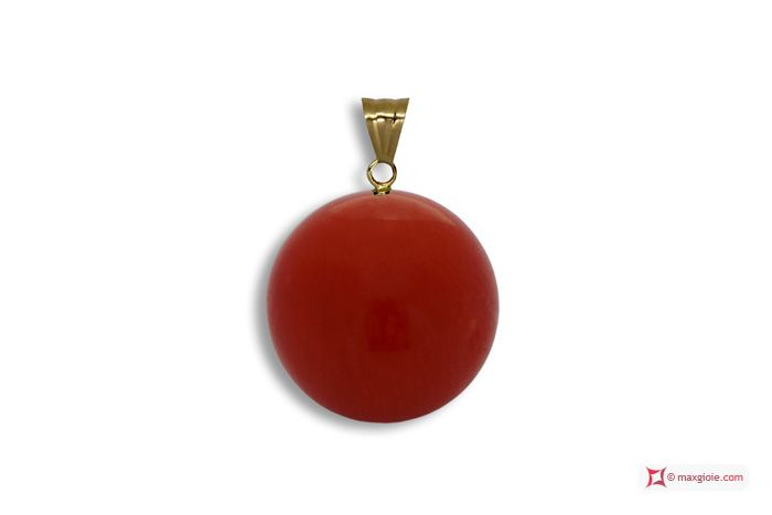 Extra Red Coral Pendant 7-7¾mm in Gold 18K [various diameters] Pendente Corallo rosso Extra 7-7¾mm in Oro 18K [vari diametri] #jewelery #luxury #trend #fashion #style #italianstyle #lifestyle #gold #silver #store #collection #shop #shopping #showroom #mode #chic #love #loveit #lovely #style #beautiful #pretty #madeinitaly #bestoftheday #pendants #pendantsforsale