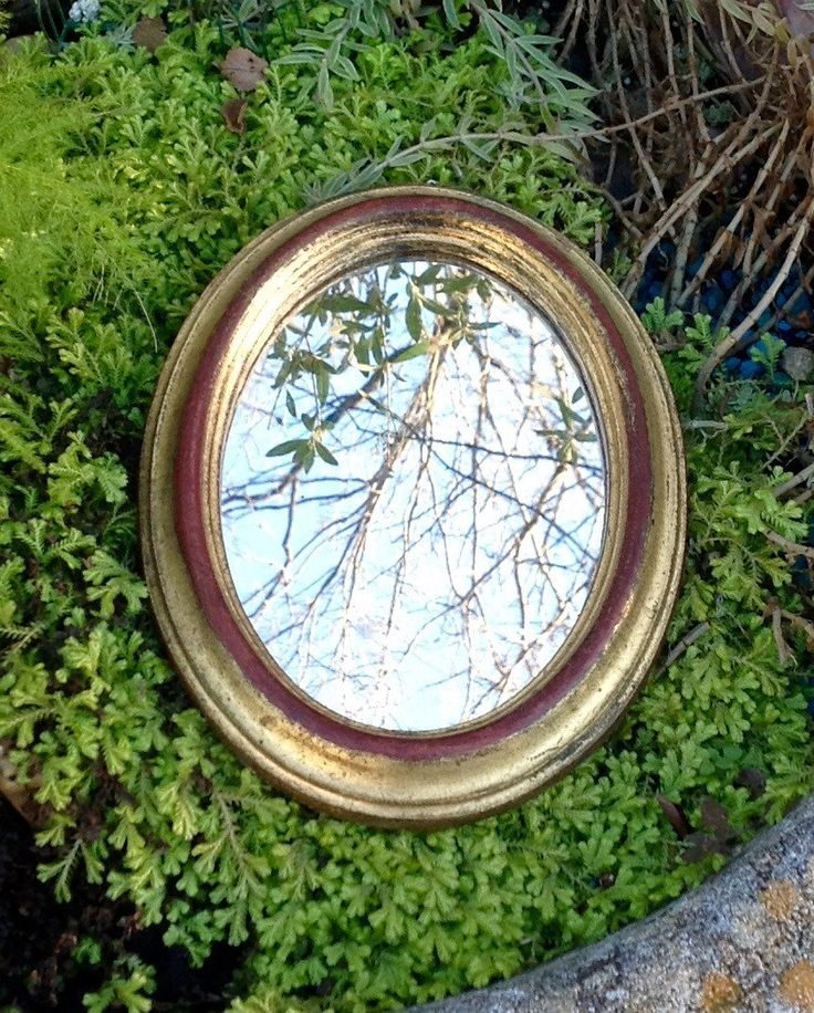 FREE SHIPPING..Vintage Gilt Florentine Oval Mirror-Handmade in Italy-Wedding Decor-Mid Century-Hollywood Regency-Glam-Coastal by ellansrelics02 on Etsy https://www.etsy.com/listing/258357511/free-shippingvintage-gilt-florentine