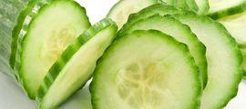 Een kwarktaart hoeft helemaal niet vet of vreselijk ongezond te zijn. Afvalgoeroe Sonja Bakker heeft een heerlijk recept voor een fijne, magere kwarktaart. Zodat je ongestoord van je taart kunt genieten. Lekker, met Optimel! Ingrediënten 1 bakje Optimel Kwark (500 g) ca. 6 blaadjes gelatine ¼ liter slankroom 2 eiwitten vers fruit (bijv. aardbeien) 1 [...]