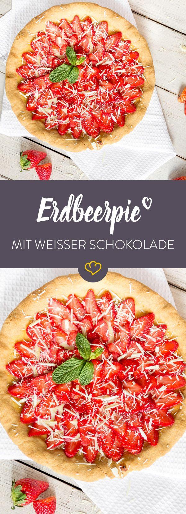 Zarter Mürbeteig gefüllt mit einer sündhaft süßen Creme aus weißer Schokolade. Als Krönung gibt`s eine Portion Erdbeeren on Top. Ein Erdbeertraum wird wahr!