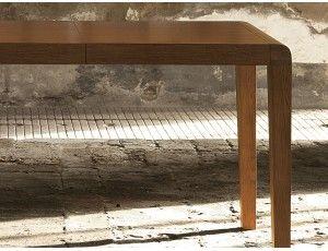 Frantic tavolo allungabile in legno - Tavolo rettangolare allungabile con struttura in legno massello nei colori: rovere moro poro aperto, bianco poro aperto o laccato grigio poro aperto.  Piana ed allunghe impiallacciate nei colori :  rovere moro poro aperto  bianco poro aperto  grigio tortora poro aperto   Dimensioni disponibili:  L.134+60 P.85 H.75   L.134+40+40 P.85 H.75  L.154+40+40 P.85 H.75