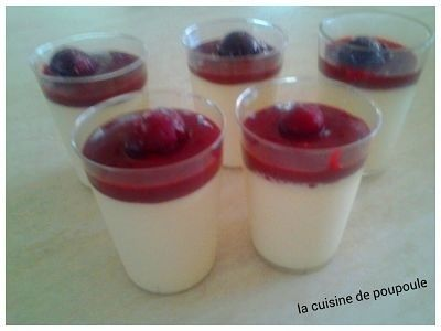 Panna cotta au fruits rouge au thermomix ou sans