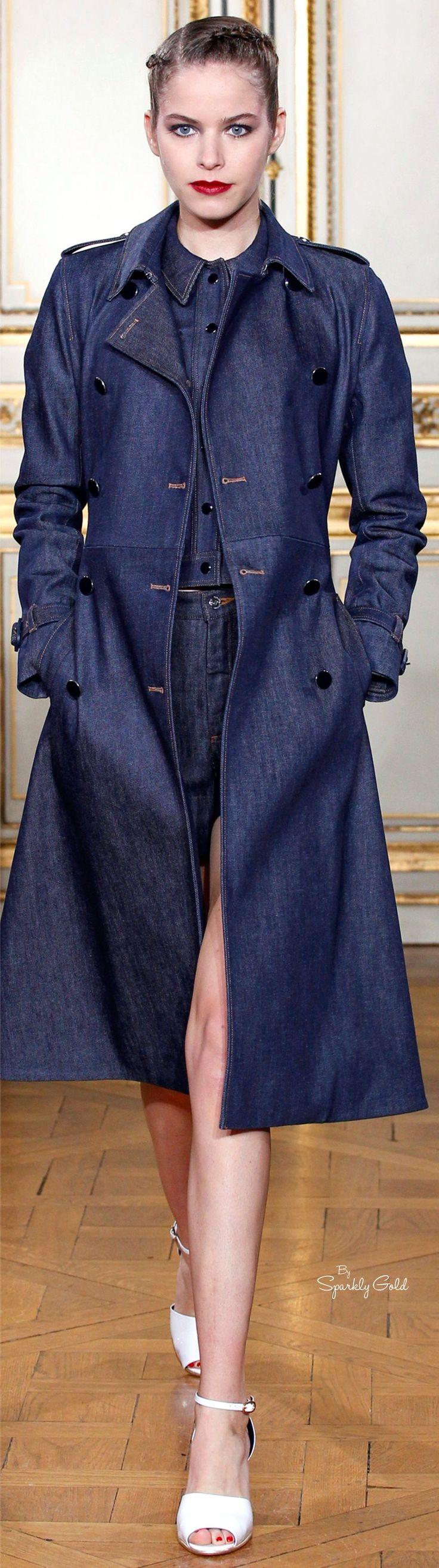 <Vanessa Seward Spring 2016> Dark color denim trench coat. Selvedge denim was popular for 2015.