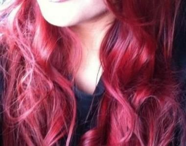Fudge hairstyle - Red hair - capelli rossi lunghi e mossi